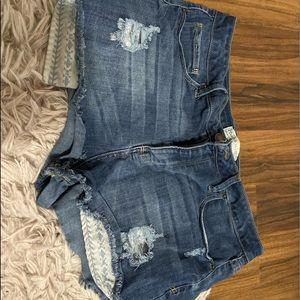 Size 15 Highwaisted Shorts